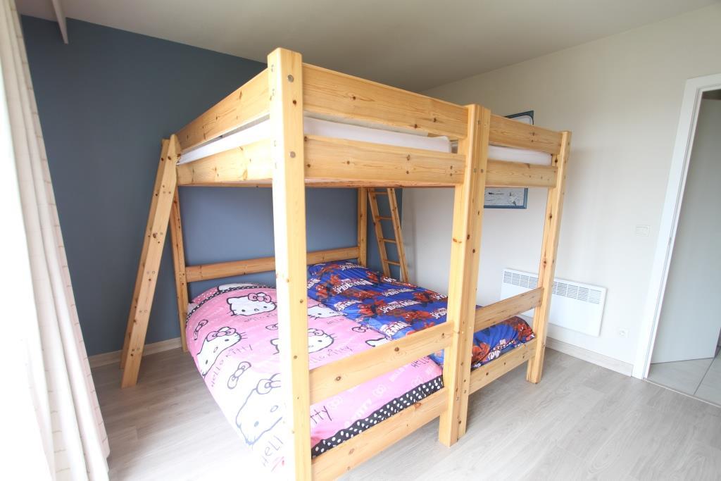 Accomodation appartement huren in de panne bellevue for Chambre a coucher deux personnes